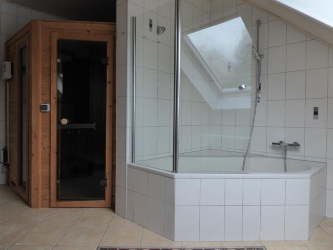 Weiteres Badezimmer mit Sauna